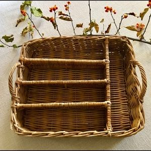 VINTAGE RATTAN SECTIONED UTENSIL TRAY WITH HANDLES